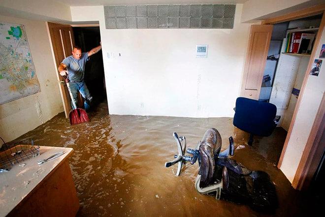 Затопили соседей